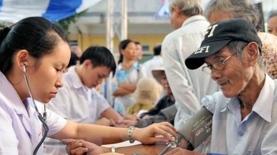 Phát triển mạng lưới trợ giúp xã hội để đáp ứng yêu cầu của người già