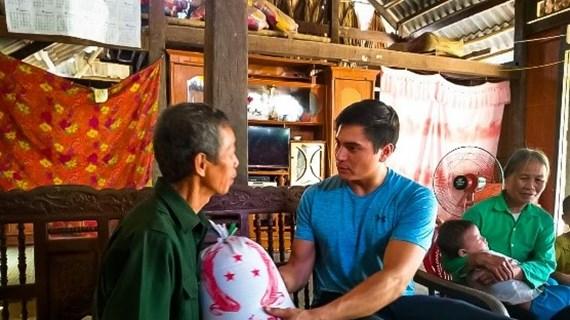 Thầy giáo Mỹ và hành trình ''thắp bình minh'' ở Việt Nam