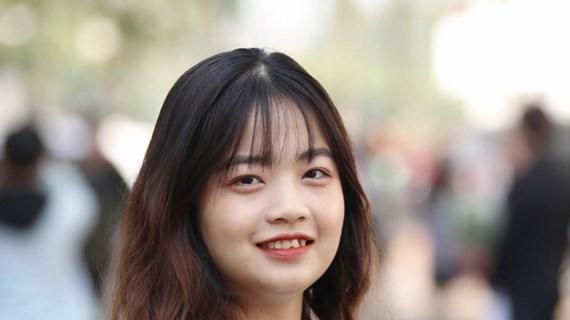 Bài 2: Nữ đảng viên sinh viên ''một gánh bốn vai''