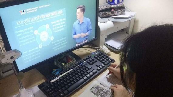 Thứ trưởng Bộ Giáo dục: Đưa dạy học trực tuyến thành nhu cầu tự thân