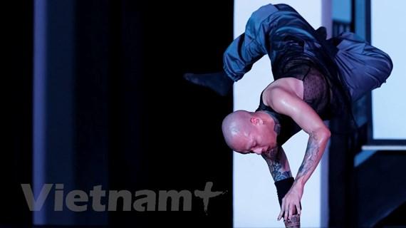 Nhạc điện tử và trống tuồng hòa quyện trong vở múa đương đại 'Thán'