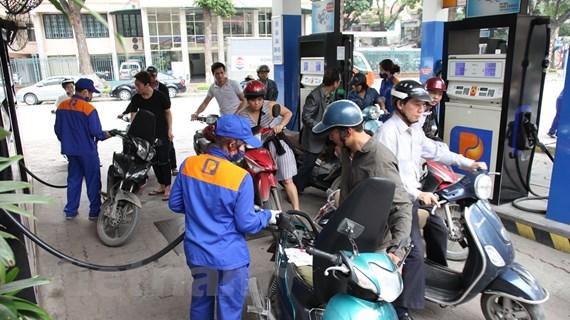 Giữ ổn định giá xăng E5 RON92 và dầu mazút, các mặt hàng khác giảm nhẹ