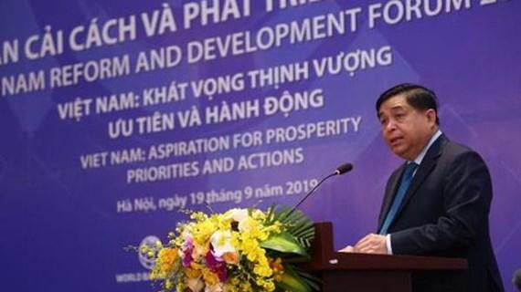 Vượt qua 'bẫy thu nhập trung bình' - thách thức đối với Việt Nam