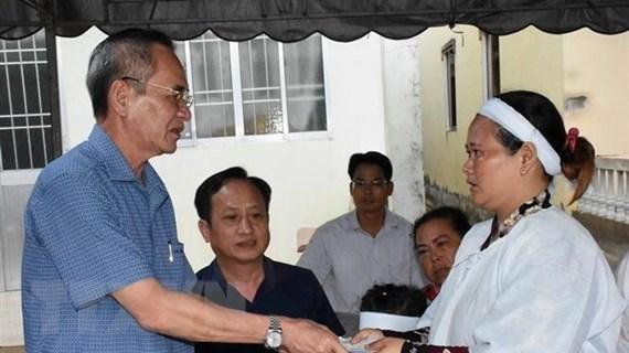 Truy tặng bằng khen cho người dân tử vong vì cứu người dưới hố gas 