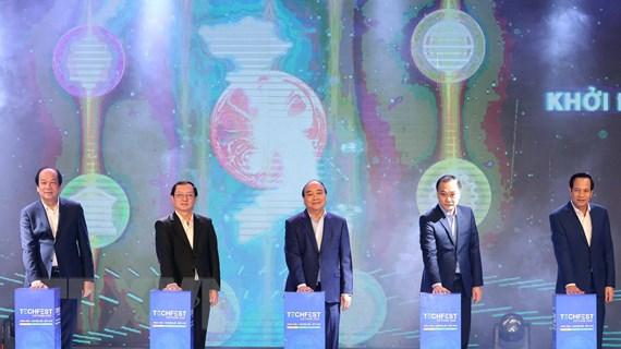 Hình ảnh Thủ tướng Nguyễn Xuân Phúc dự Diễn đàn Thanh niên khởi nghiệp
