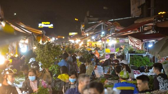 Cảnh nhộn nhịp ở chợ hoa lớn nhất Thủ đô trước ngày 8/3