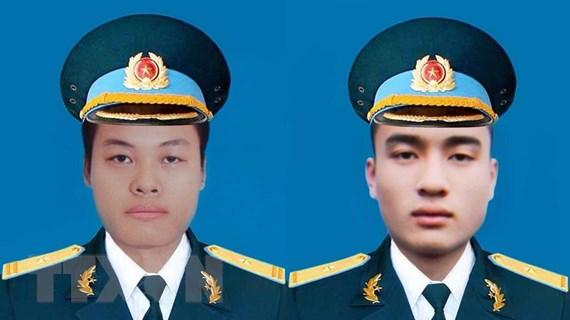 Lễ tang hai phi công hy sinh trong vụ máy bay rơi diễn ra ngày 16/6