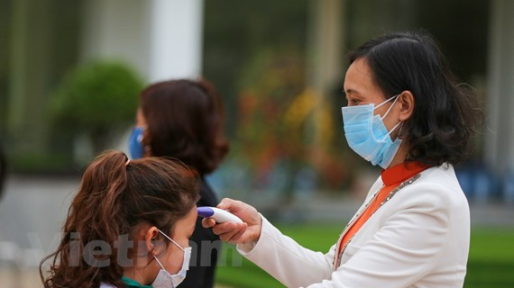 Học sinh Hà Nội đi học trở lại sau ''kỳ nghỉ Tết dài 30 ngày''