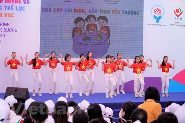 300 hoc sinh Hung Yen hao hung tim hieu kien thuc dinh duong hoc duong hinh anh 3
