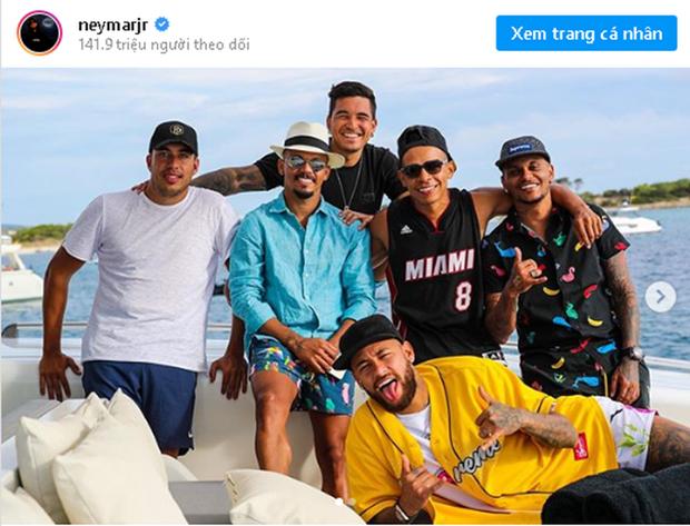 Sieu sao Neymar va 2 cau thu cua PSG duong tinh voi virus SARS-CoV2 hinh anh 1