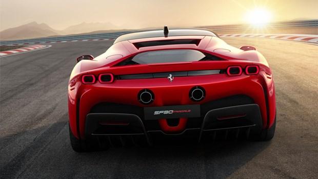 "Ferrari ra mat ""sieu quai vat"" su dung cong nghe hybrid SF90 Stradale hinh anh 3"