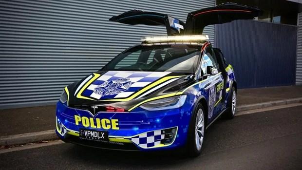 Canh sat Australia dua xe dien Tesla vao luc luong tuan tra hinh anh 1
