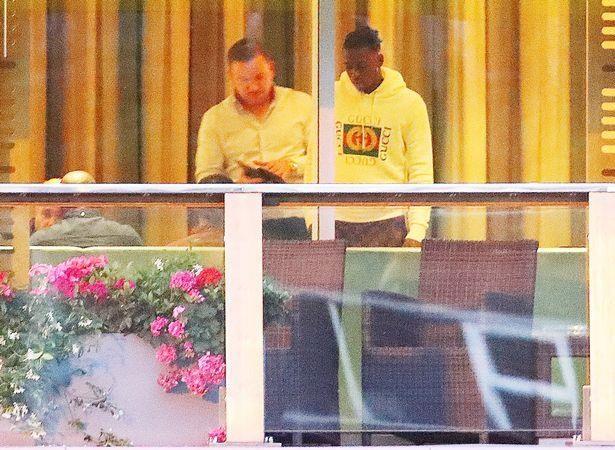 Aaron Wan-Bissaka da dat thoa thuan voi Manchester United hinh anh 1