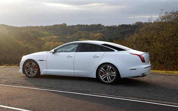 Jaguar Land Rover đầu tư mạnh vào dây chuyền sản xuất ôtô điện - 1