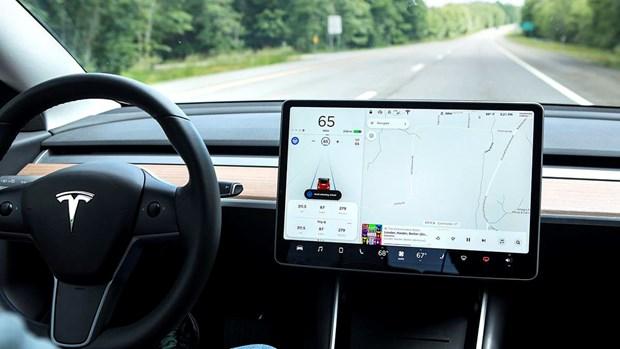Cuu nhan vien Tesla thua nhan tai ma nguon xe tu lai len mang iCloud hinh anh 1