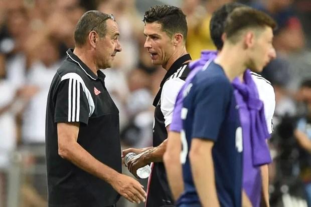 Cristiano Ronaldo noi cau voi Maurizio Sarri sau khi bi rut khoi san hinh anh 1
