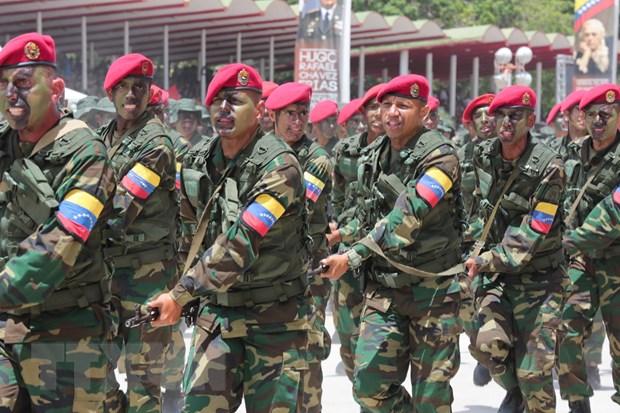 Tong thong Colombia bac kha nang can thiep quan su vao Venezuela hinh anh 1