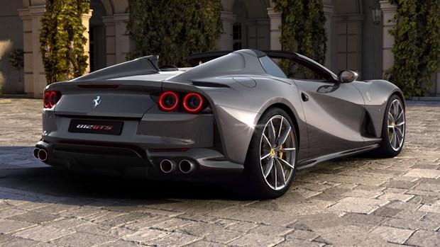 Ferrari ra mat