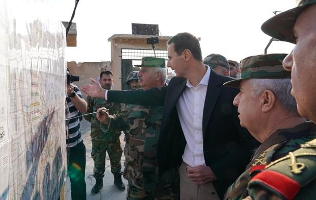 Tong thong Syria lan dau tham Idlib ke tu khi no ra chien su hinh anh 1