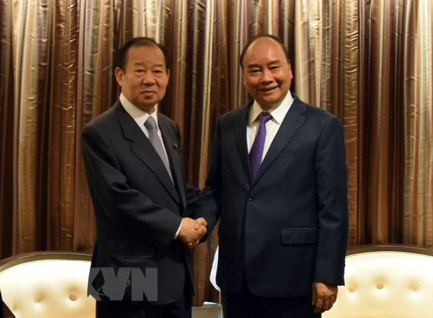 Thu tuong Nguyen Xuan Phuc tiep Tong Thu ky dang LDP cua Nhat Ban hinh anh 1