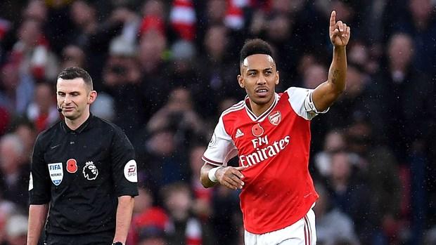 Pierre-Emerick Aubameyang can moc 50 ban thang cho Arsenal hinh anh 1