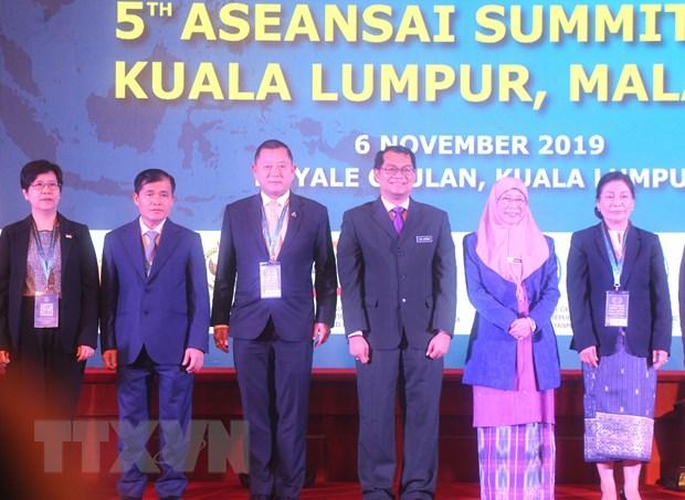 Doan Kiem toan Viet Nam tham du Dai hoi lan thu 5 cua ASEANSAI hinh anh 2