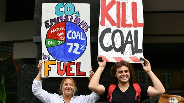 Australia: Bieu tinh chong bien doi khi hau tai Sydney hinh anh 1
