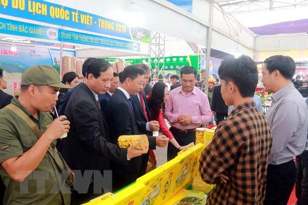 Khai mac Hoi cho Thuong mai, du lich quoc te Viet-Trung hinh anh 1