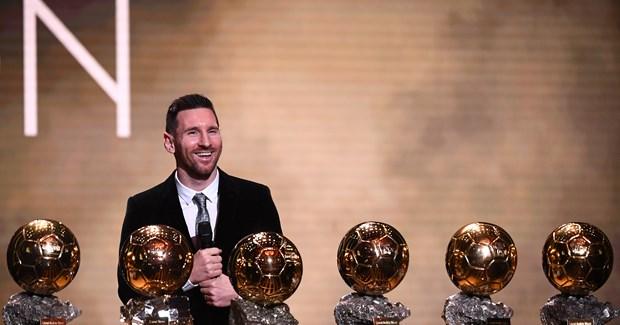Nhung khoanh khac dua Lionel Messi toi danh hieu Qua bong Vang thu 6 hinh anh 1