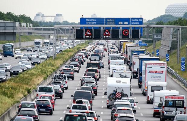 Đức kêu gọi hạn chế tốc độ trên đường cao tốc nhằm bảo vệ môi trường