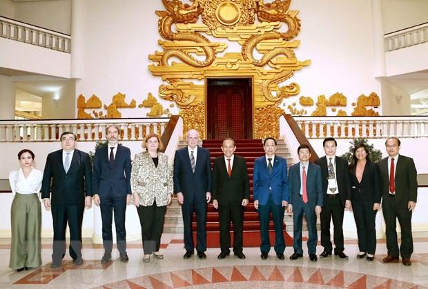 Chia se kinh nghiem ve phong chong tham nhung giua Viet Nam va OECD hinh anh 2
