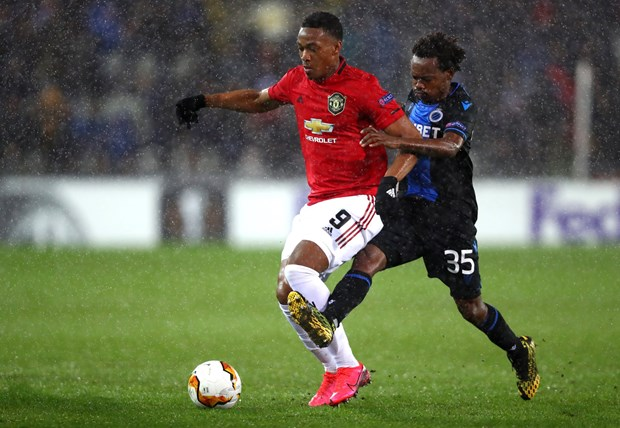Hoa Club Brugge, Manchester United gianh uu the truoc tran luot ve hinh anh 1