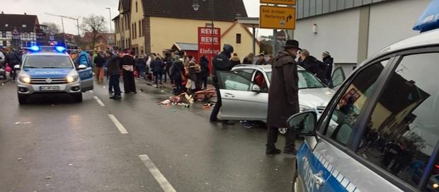 Hessen: Xe đâm vào lễ hội hóa trang, ít nhất 30 người bị thương