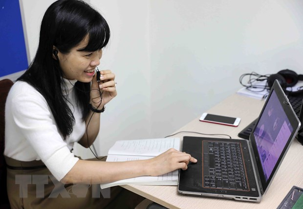 Bo GD-DT huong dan chi tiet viec day hoc qua Internet va truyen hinh hinh anh 1
