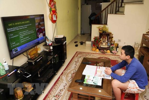 Bo GD-DT huong dan chi tiet viec day hoc qua Internet va truyen hinh hinh anh 3