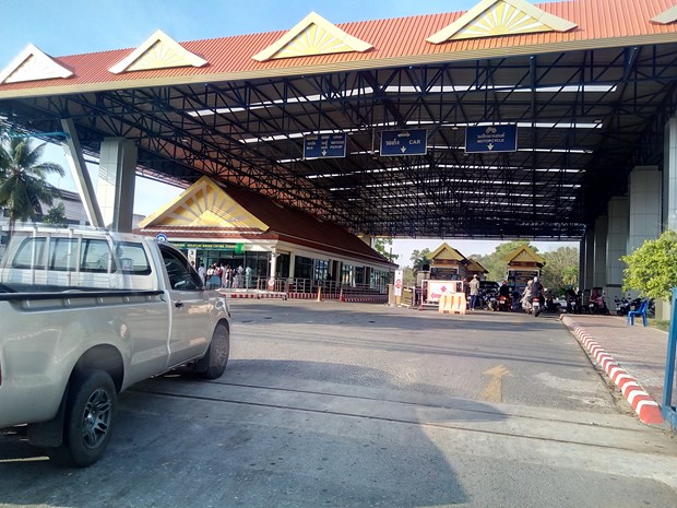 Thai Lan, Malaysia dong cua bien gioi chung do co ca mac COVID-19 hinh anh 1