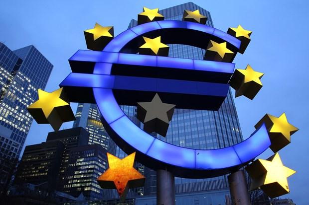 Gioi chuyen gia canh bao Eurozone dang dung truoc nguy co giam phat hinh anh 1