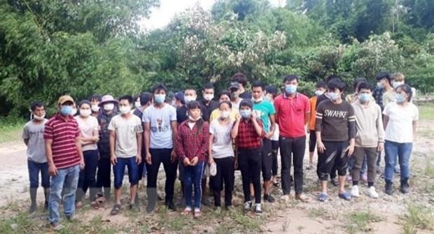 Quang Ninh bat giu va cach ly 33 doi tuong nhap canh trai phep hinh anh 1