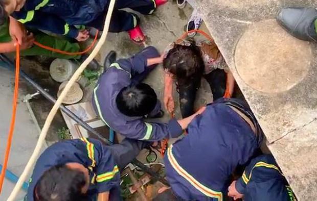 Lam Dong: Cuu song mot phu nu roi xuong gieng sau 25m hinh anh 1