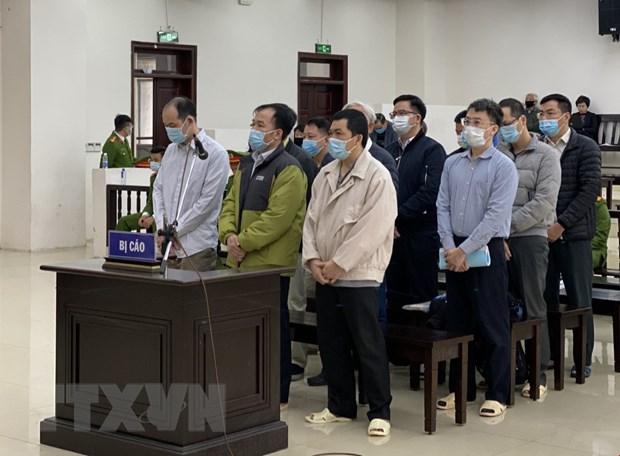 Các bị cáo tại phiên tòa xét xử vụ án tại GPBank. (Ảnh: Doãn Tấn/TTXVN)