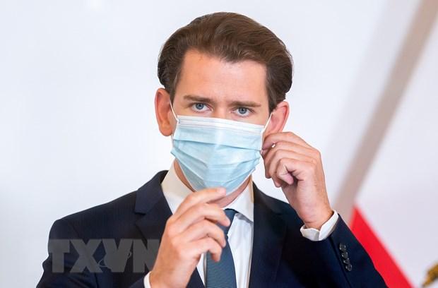 Anh phan doi viec ap dat han che trong mua ban vaccine voi EU hinh anh 2