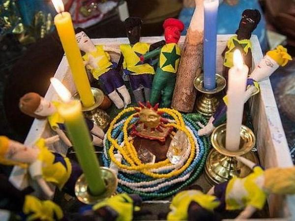 Phap su Brazil doa yem bua Duc trong tran ban ket voi Selecao hinh anh 1