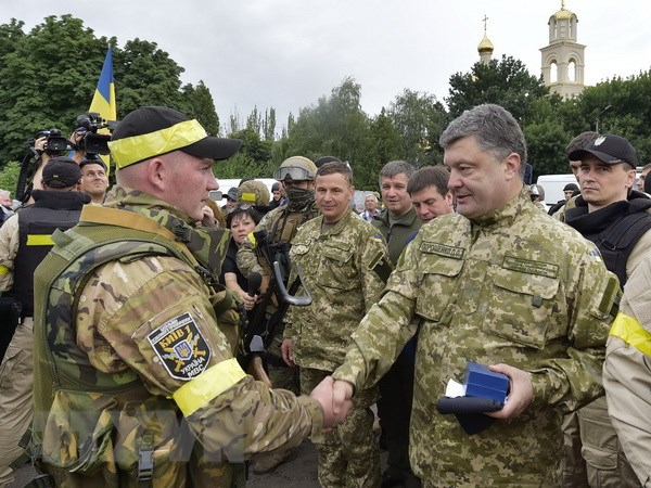 Tong thong Ukraine de doa cat dut quan he ngoai giao voi Nga hinh anh 1