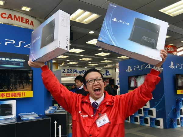Sony dat ky luc ban hon 10 trieu may PS4 trong chua day 1 nam hinh anh 1