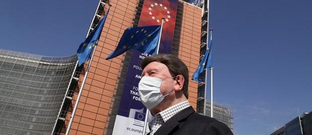 IHS Markit: Hoat dong che tao cua Eurozone giam manh trong thang Tu hinh anh 1
