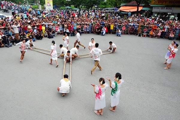 Festival Hue 2020: Ton vinh gia tri van hoa truyen thong va duong dai hinh anh 1