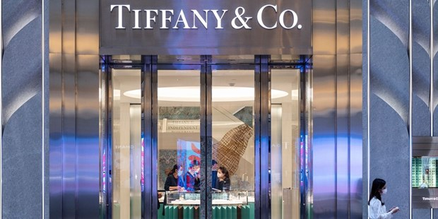 """Dai gia"" hang hieu LVMH rut khoi thuong vu mua lai Tiffany hinh anh 1"