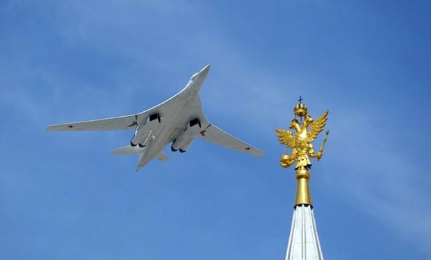 May bay nem bom Tu-160 lap ky luc chuyen bay thang dai nhat the gioi hinh anh 1