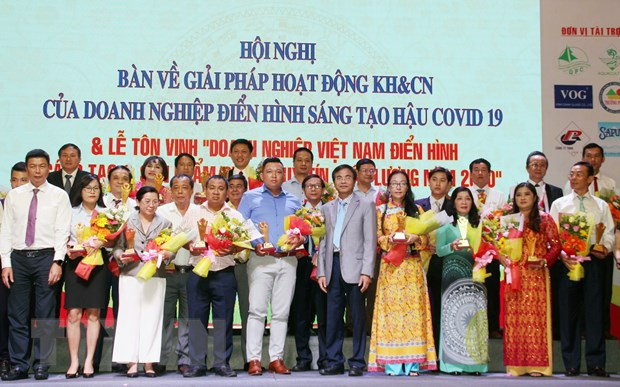 Ton vinh doanh nghiep Viet dien hinh sang tao va san pham chat luong hinh anh 1