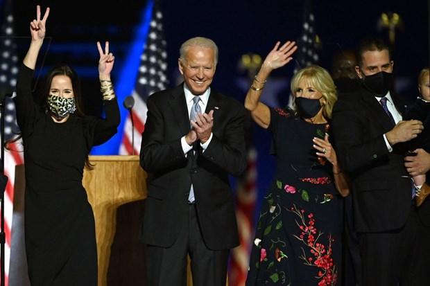 [Audio] Ong Joe Biden voi cong cuoc dua nuoc My thoat khung hoang kep hinh anh 1